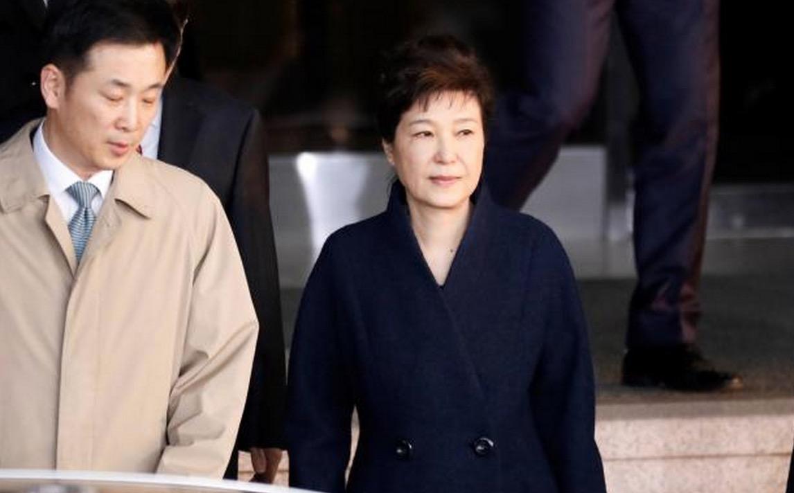 韩国检察总长:决定申请对前总统朴槿惠的拘捕令
