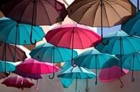 争议共享雨伞,创业者:质疑的人太肤浅