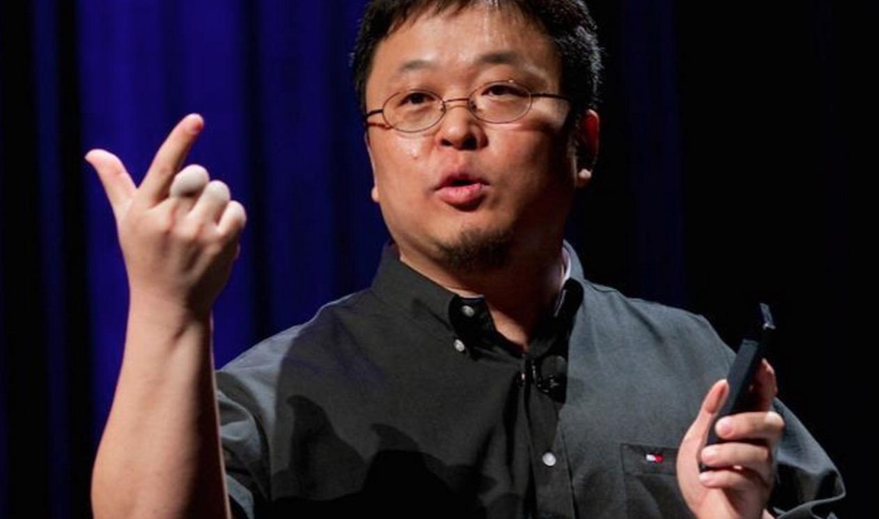 """罗永浩的""""小目标"""",明年锤子科技先赚1个亿"""