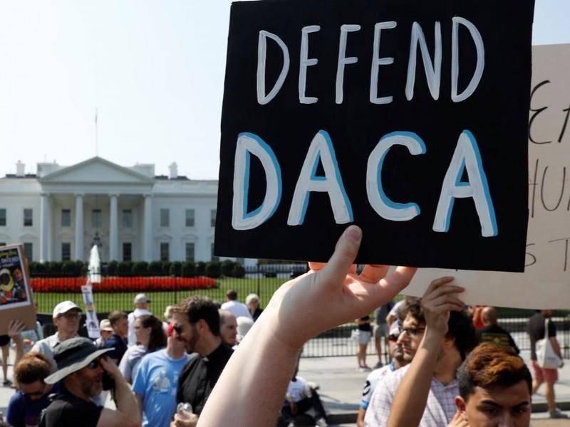 特朗普要把移民的美国梦叫醒,库克小扎们就是不答应